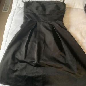 Dresses & Skirts - White House Black Market Dress
